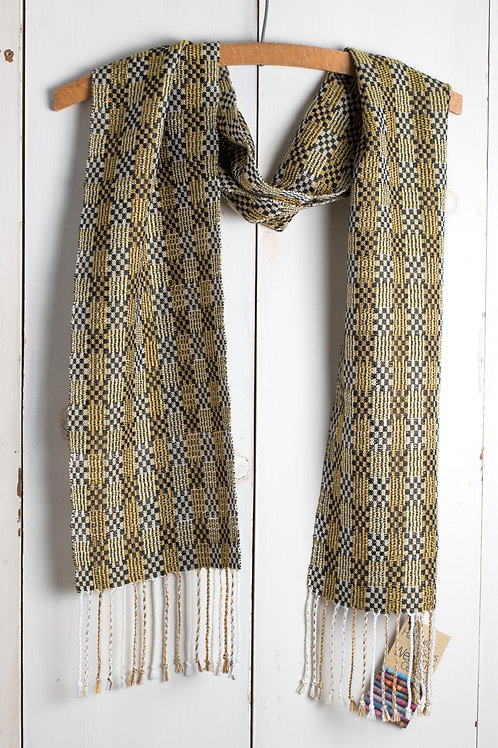 M's & O's Scarf