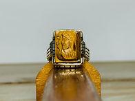 10KYG Carved Tiger Eye Knight Ring