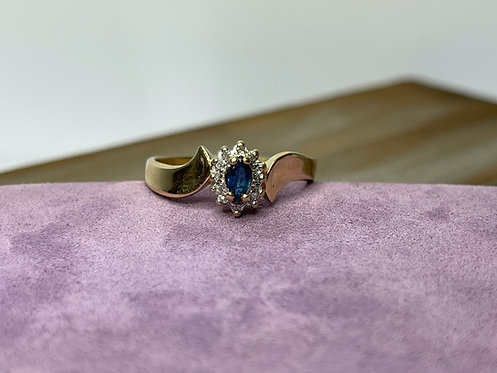 10KYG Sapphire Ring with Diamond Accents