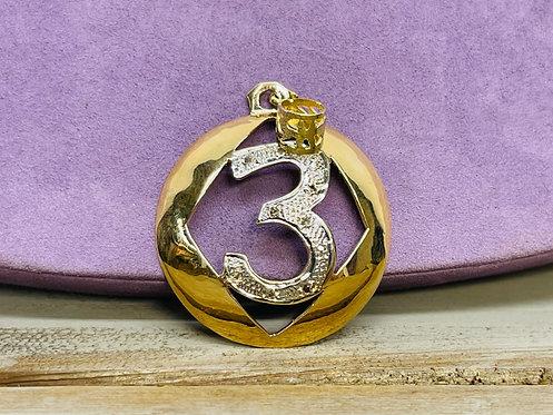 "14KYG 3"" Pendant with small Diamonds"