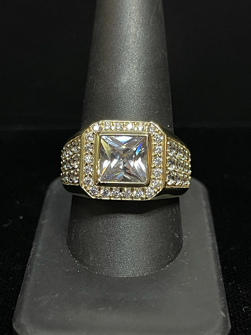 10KYG Men's CZ Ring With Center Stone