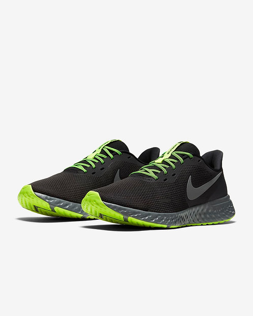 Nike Revolution 5 Running