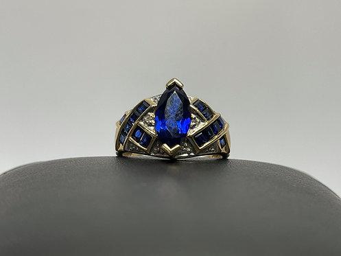 10KYG Lab Sapphire Ring