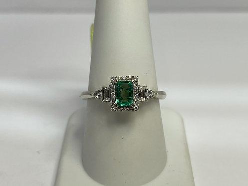 14KWG Emerald & Diamond Ring
