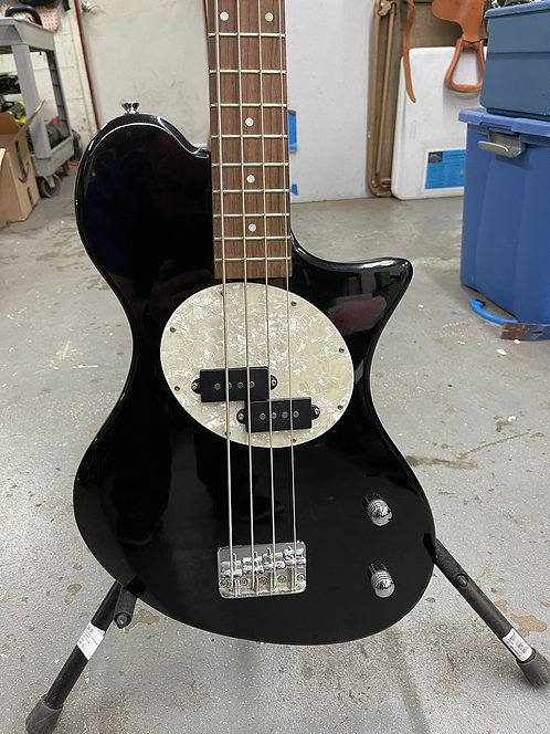 First Act 4 String Electric Bass ME109