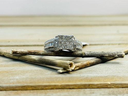 14KWG Invis Set Diamond Ring