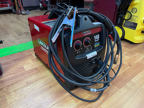 Lincoln Electric 120-Volt 140-Amp Mig Flux-cored Wire Feed Welder