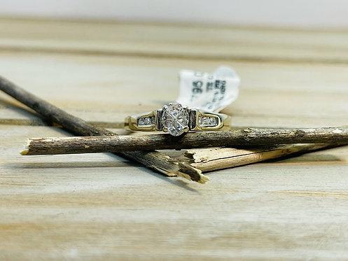 14KWG Pie Oval Diamond Ring