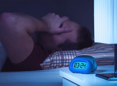 Dormir mal: los efectos de una mala alimentación en estas fiestas patrias