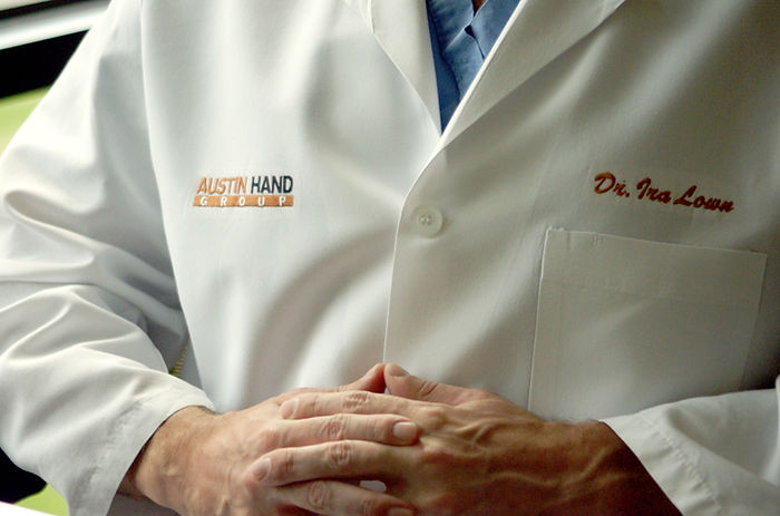 surgeon-hand-doctor