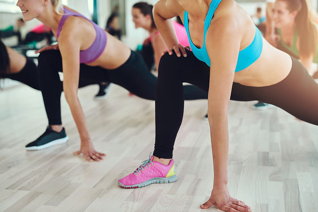 fit-and-healthy-women-in-a-fitness-class