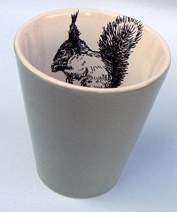 TafelFreude Tasse salbeigrün Eichhörnchen