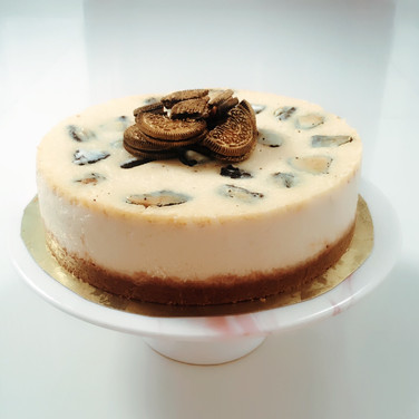 Goldie Cheesecake with Oreos