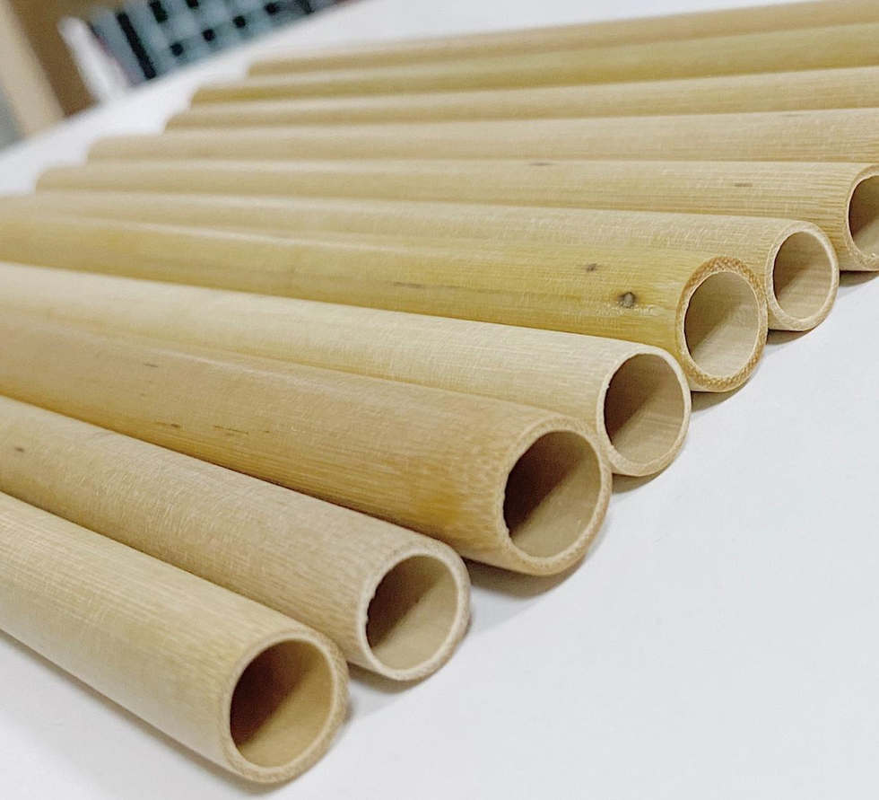 Bamboo Straw Zoom in