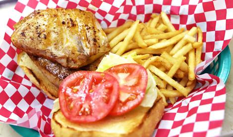 Grilled Tuna Steak Sandwich