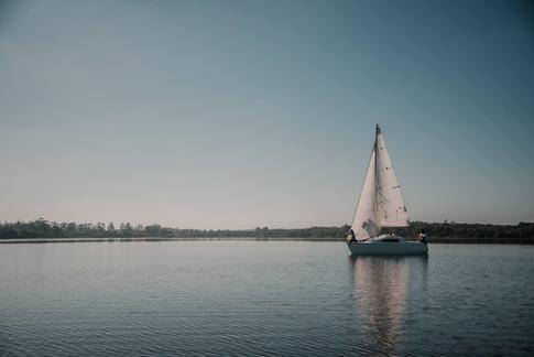 passeio-de-veleiro-chal-lagoa-da-serra-11.jpg