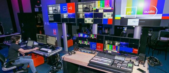 pixl-john-henry-master-control-room-2_ed