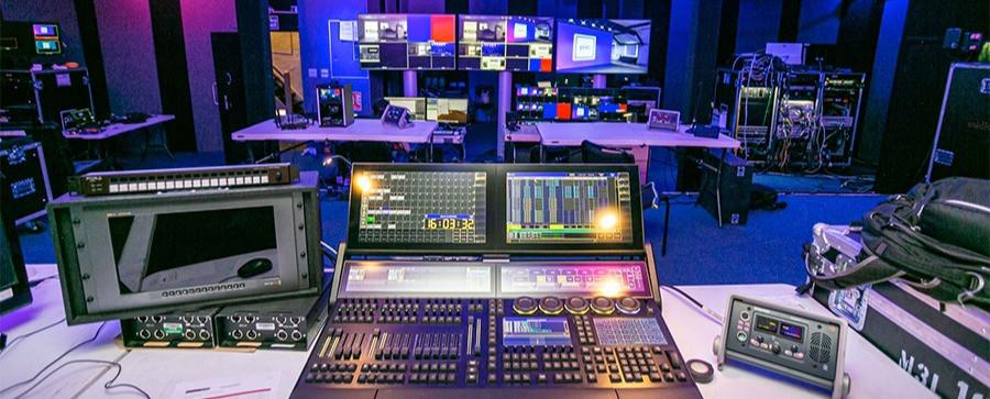 pixl-john-henry-master-control-room_edit