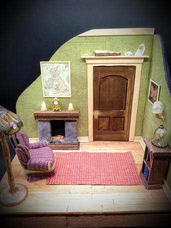 The Study 1:12 scale bookshelf room
