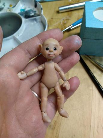 Miniature elf