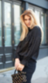 dvf zwarte blouse .jpg