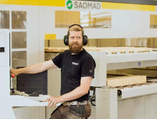 CNC-styrd tillverkning av fönsterkomponenter