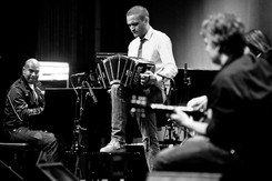 New Tide Orquesta live