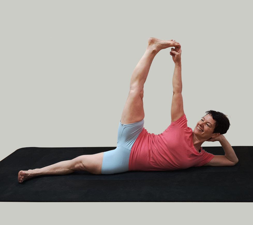 Yoga For Women | 8月女性のためのヨガ