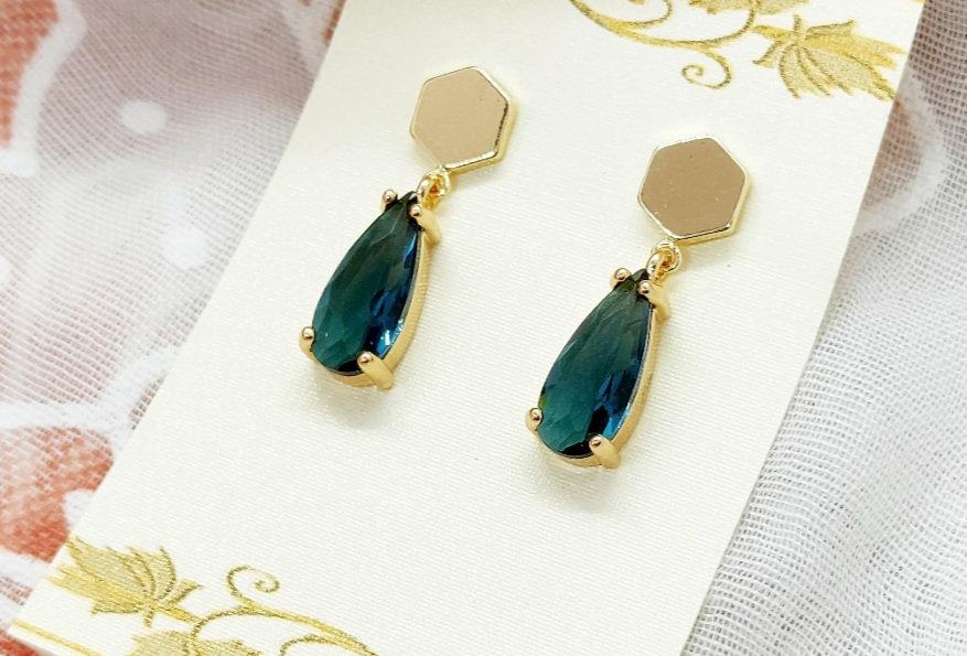 Gold Plated Oorbellen met hangers van Crystal Glass