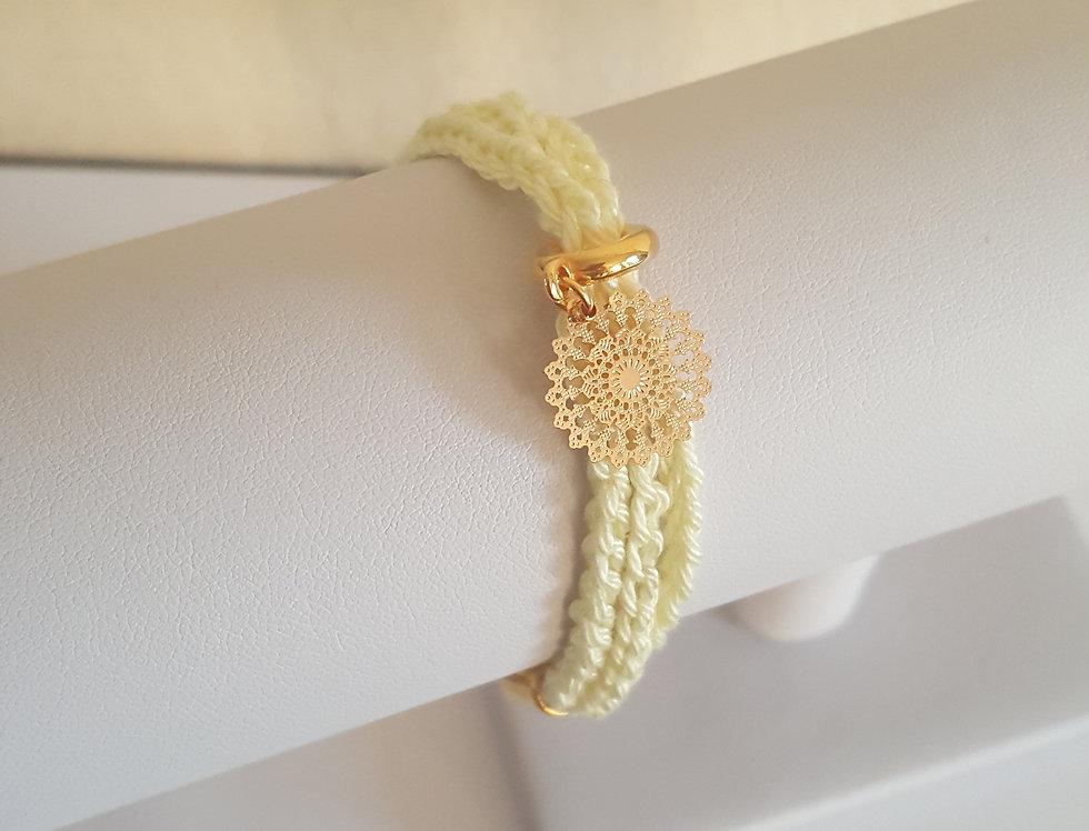 gehaakte armband met bohemiam hanger
