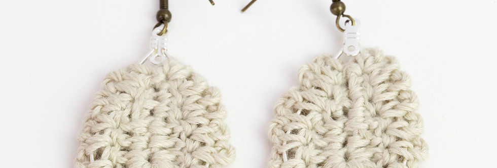 gehaakte oorbellen - beige