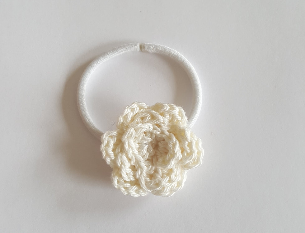 elastiek met gehaakte roos