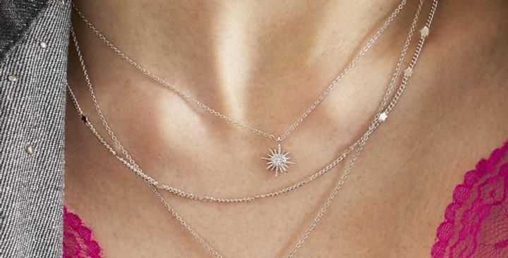 Halsketting met 3 lagen en bedels in de vorm van een ster en maan