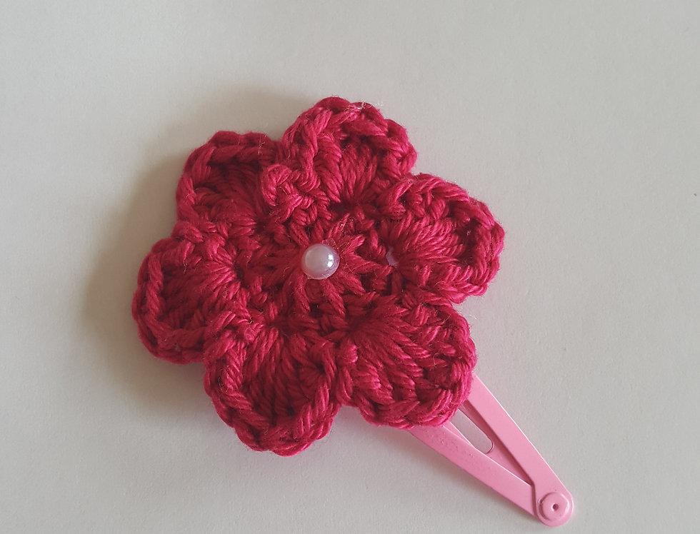 speld met gehaakte bloem - fuchsia