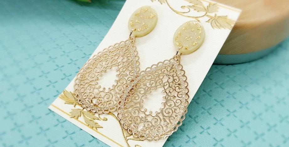 Handgemaakte oorbellen met bohemian hangers