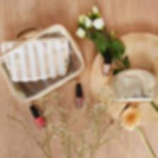 Handtassen, accessoires, make up en biologische verzorgingspoducten