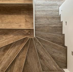 Vinilna obloga na stopnicah - Objectflor