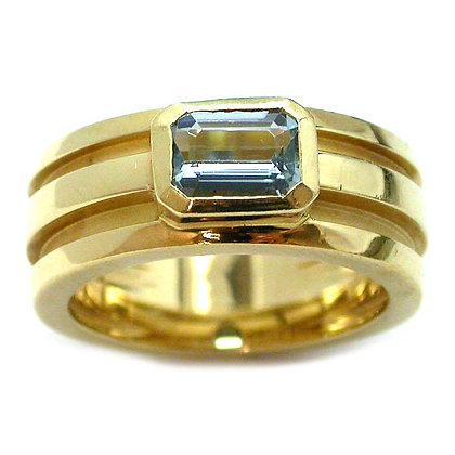 Original Tiffany Aquamarine Yellow Gold Ring 1995