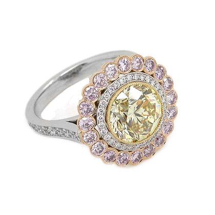Exquisite Platinum Diamond Engagement Ring 3.87Ct