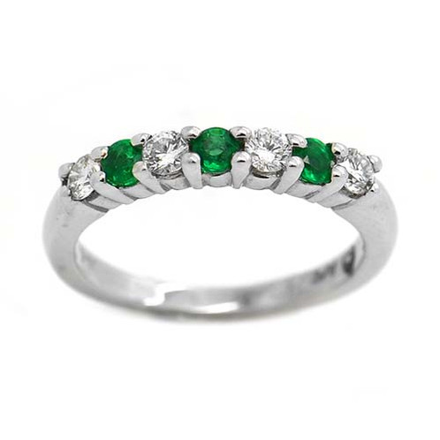 Emerald Wedding Band.64 Cts Diamond And Emerald Wedding Band