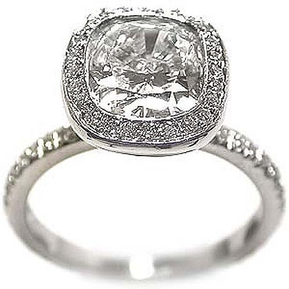 Gorgeous Halo Diamond Engagement Ring