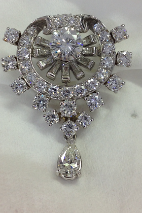 1950's  4 cts Diamond Pin