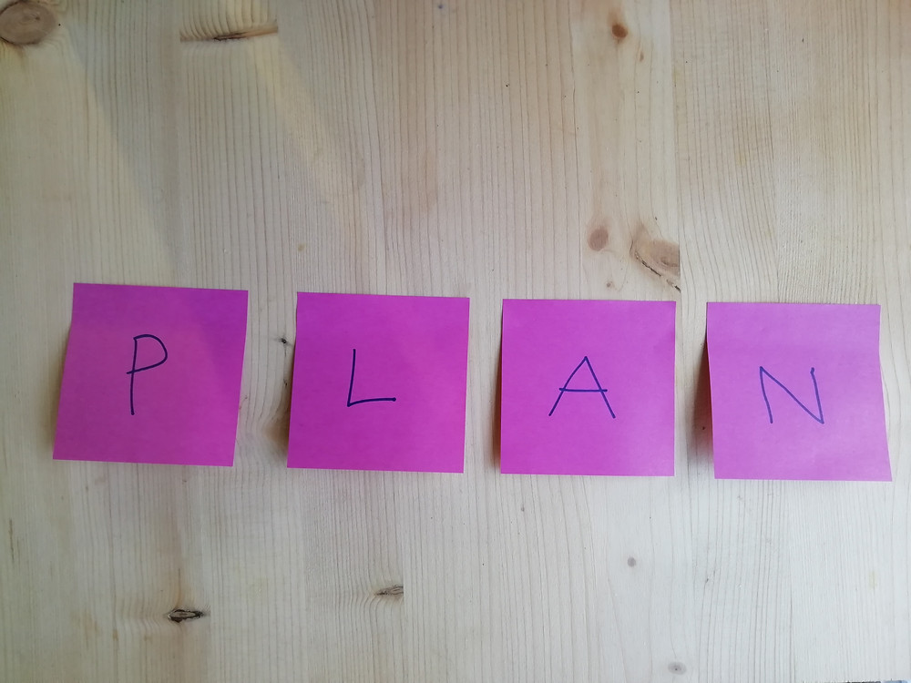 Pink posts its spelling the word 'plan'
