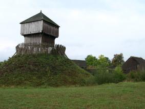 Reconstruktie van een 'Motte' bij Oostkapelle