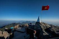90807038-fansipan-summit-highest-mountai