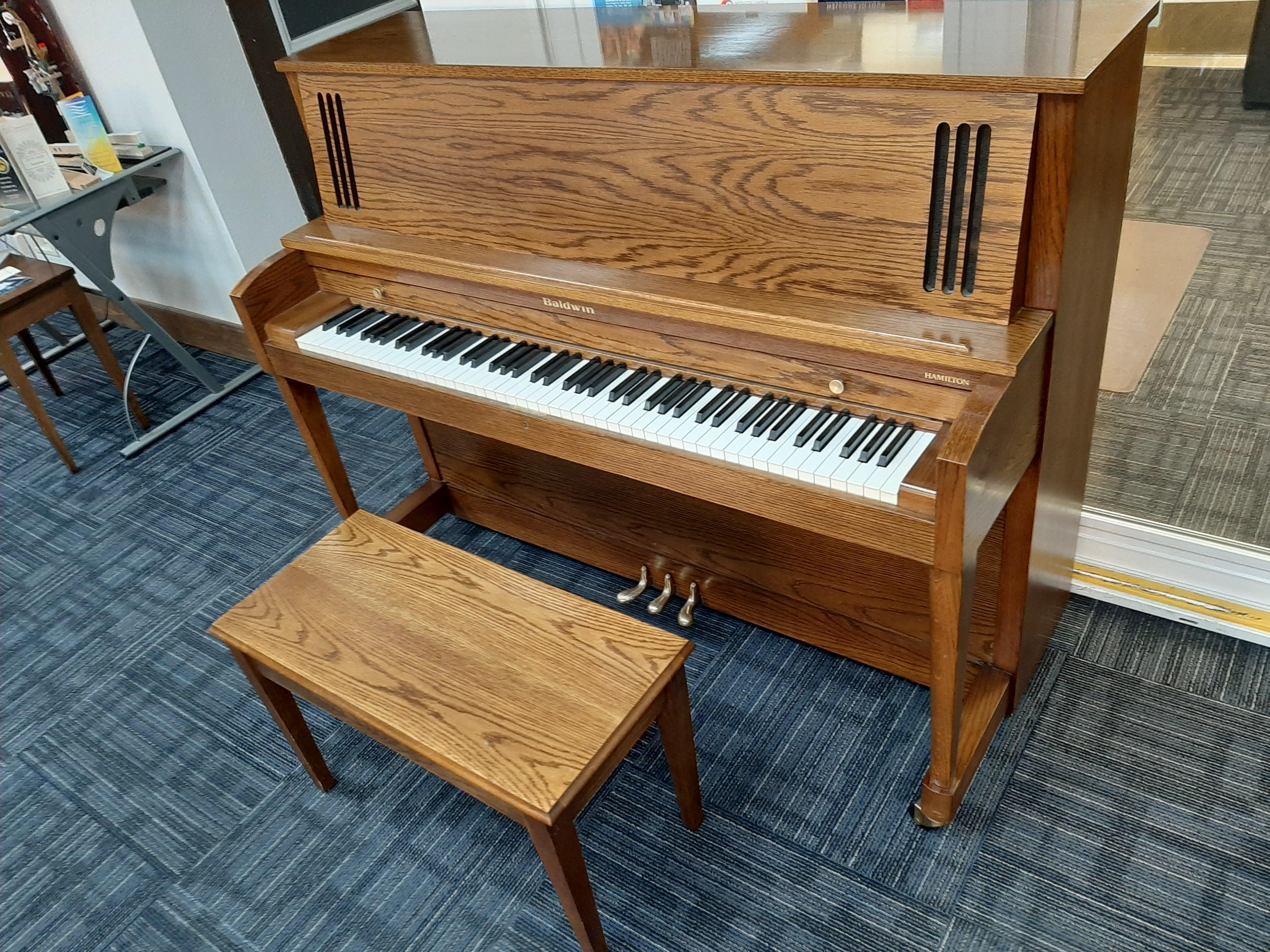 1993 Baldwin Studio $3750