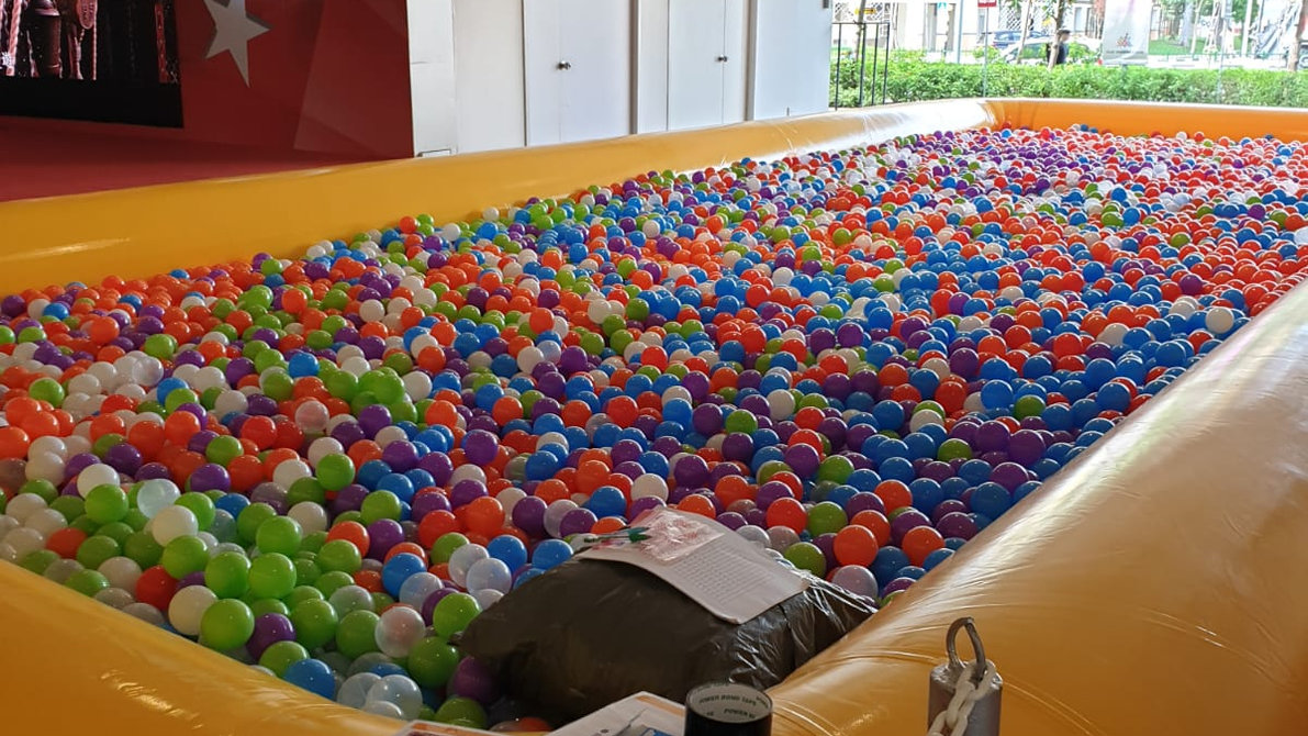 Hey! It's a Yellow Ballpit.