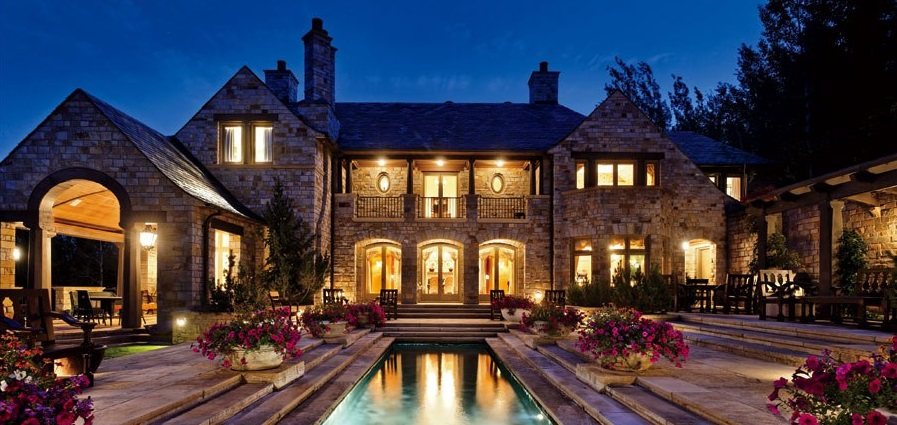 Live lavish in a mansion