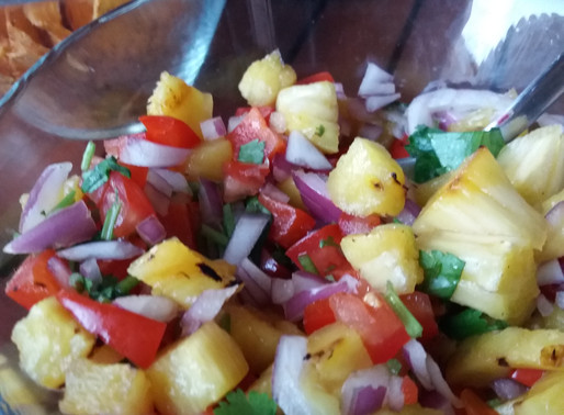 Griddled pineapple and pepper salsa