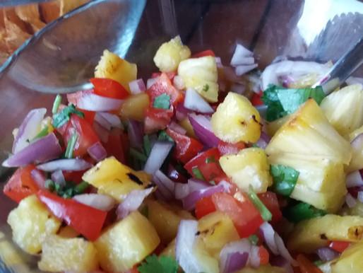Salsa à l'ananas et au poivron grillés
